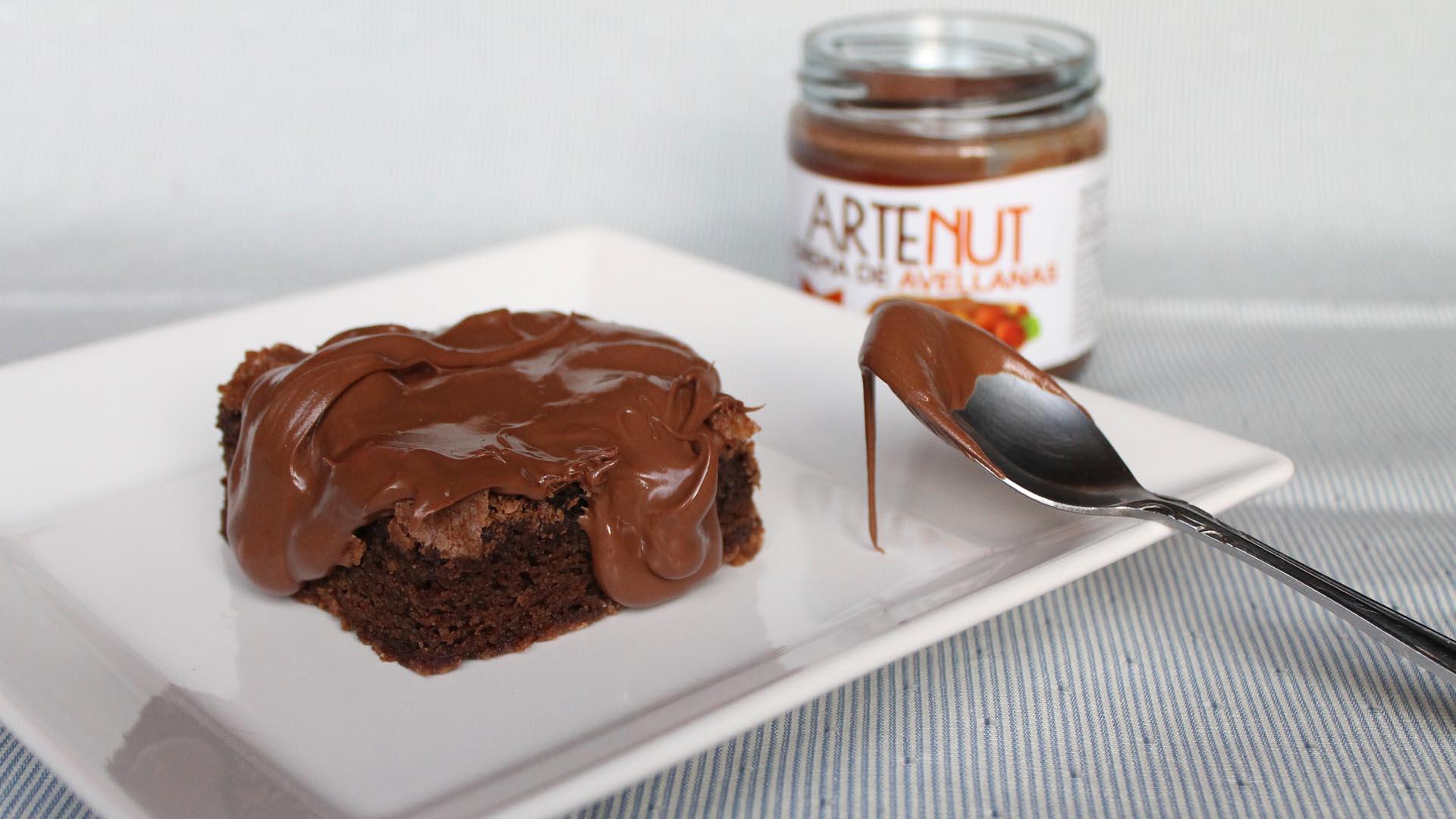 Crema de Avellanas Artenut con brownie